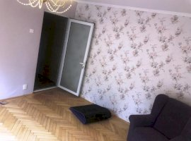 Apartament 3 camere, imbunatatiri, zona Vest, Ploiesti