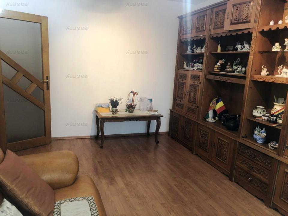 Apartament 4 camere, extravagant, zona Malu Rosu, Ploiesti