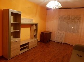 Inchiriere apartament 3 camere in Ploiesti, zona 9 Mai