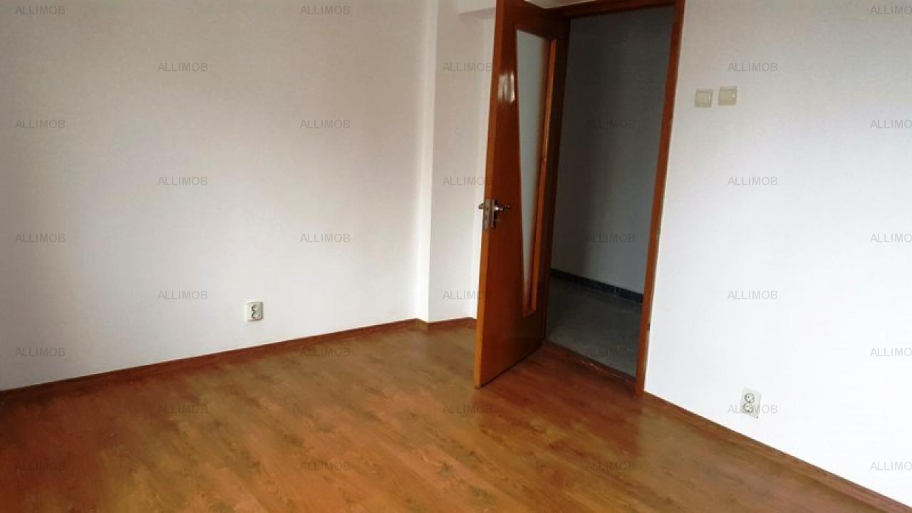 Apartament  cu 3 camere in Bucuresti, zona Centru Civic