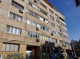Apartament cu 3 camere 120 mp si garaj de 40 mp Piata Victoriei