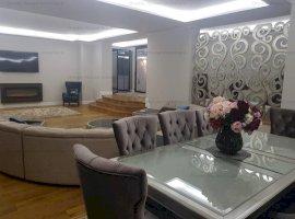 Apartament  cu  finisaje de lux, 205 mp utili si curte de 170 mp