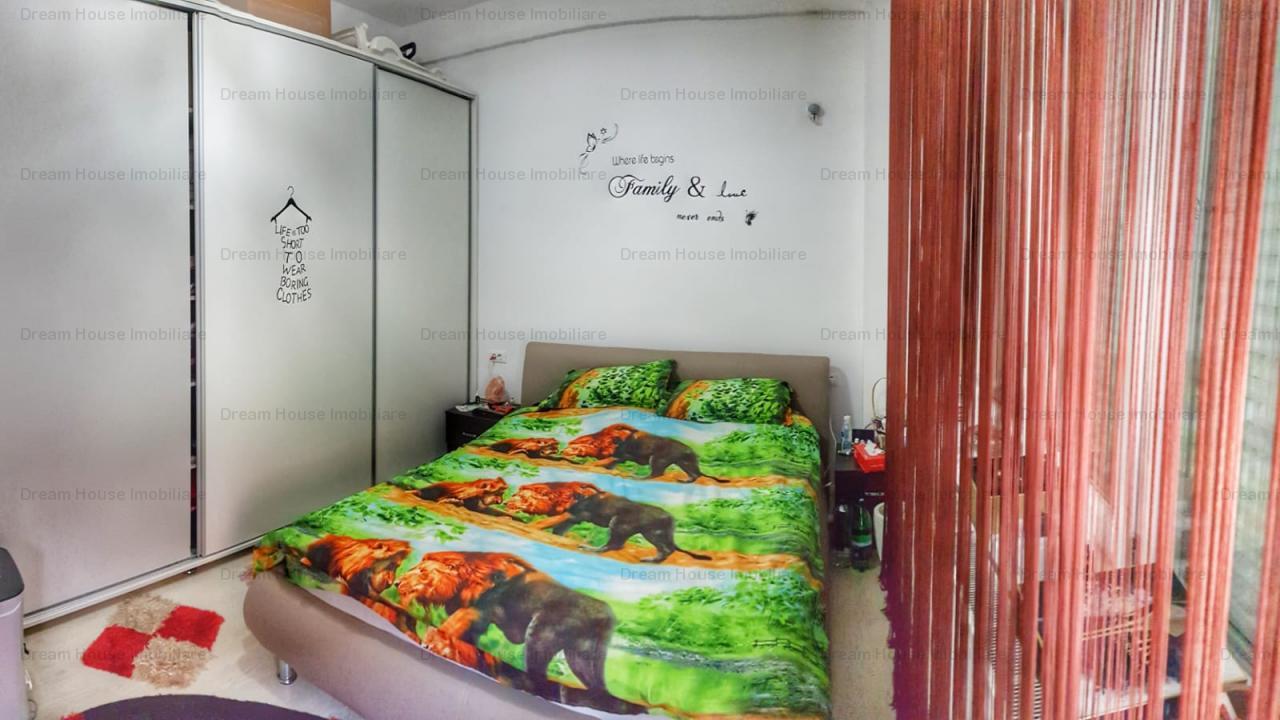 Apartament 3 camere Damaroia, curte de 60 mp