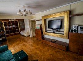 Apartament 4 camere decomandat Bulevardul Dacia cu Garaj Propriu