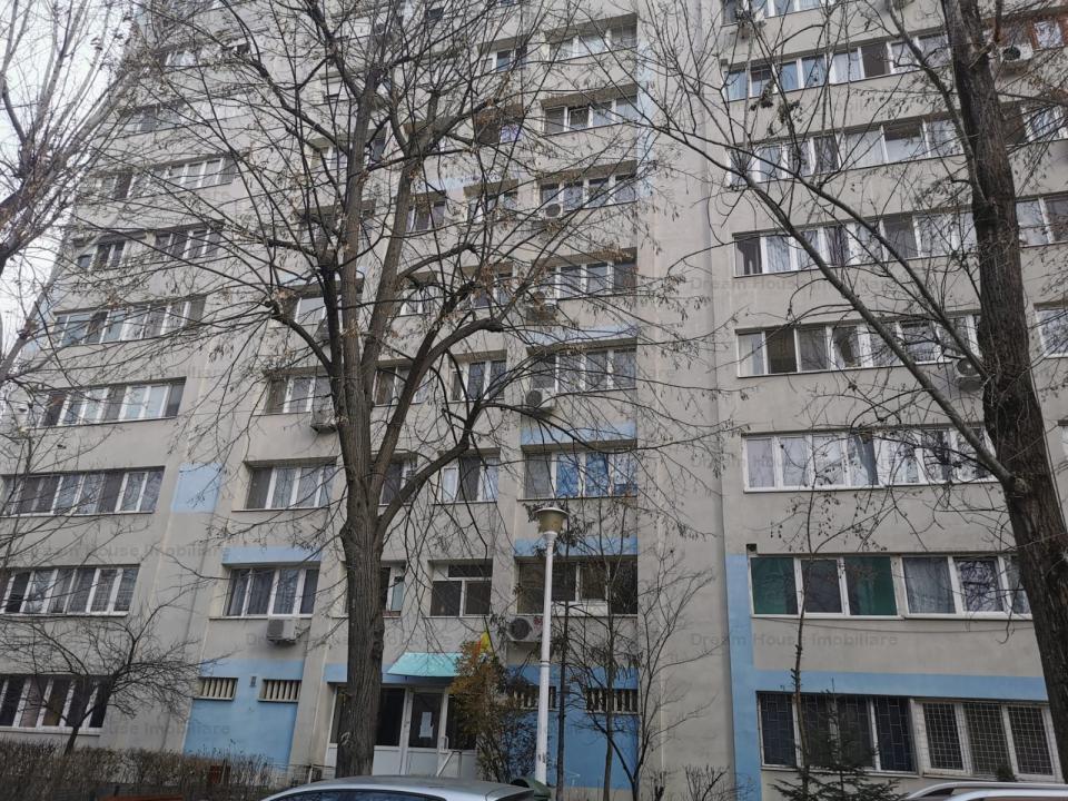 Apartament cu 3 camere Pajura cu 2 balcoane si loc de parcare