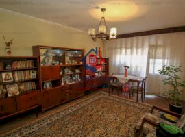 Apartament 3 camere decomandat, Str Babadag, boxa in proprietate