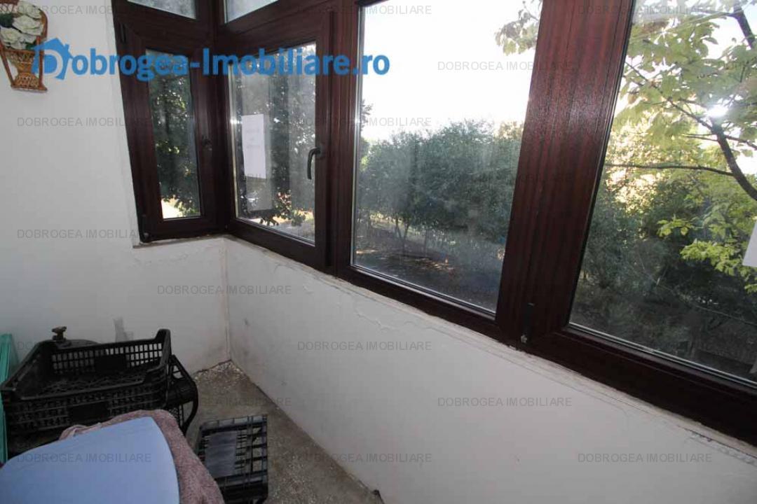 Babadag, etaj 1, decomandat, spatios, 62 mp, balcon