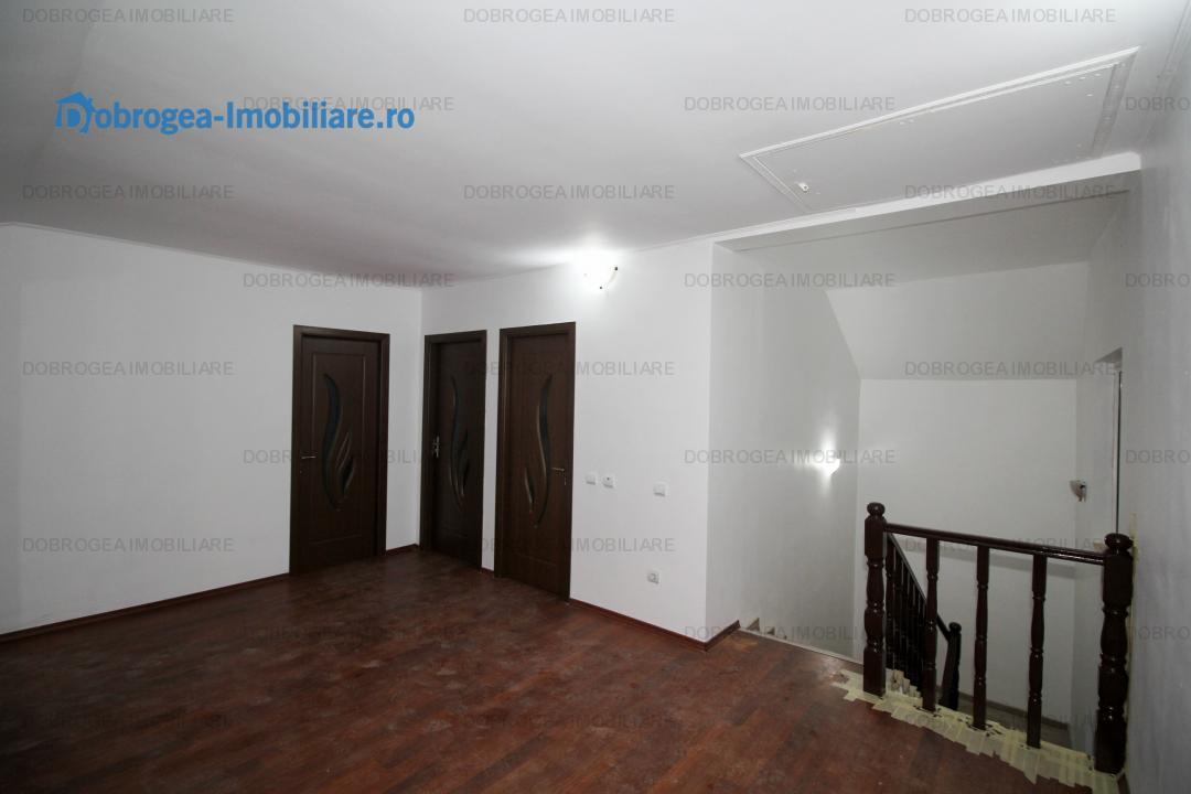 Eternitatii, vila noua, complet renovata, 4 camere, teren 215 m2