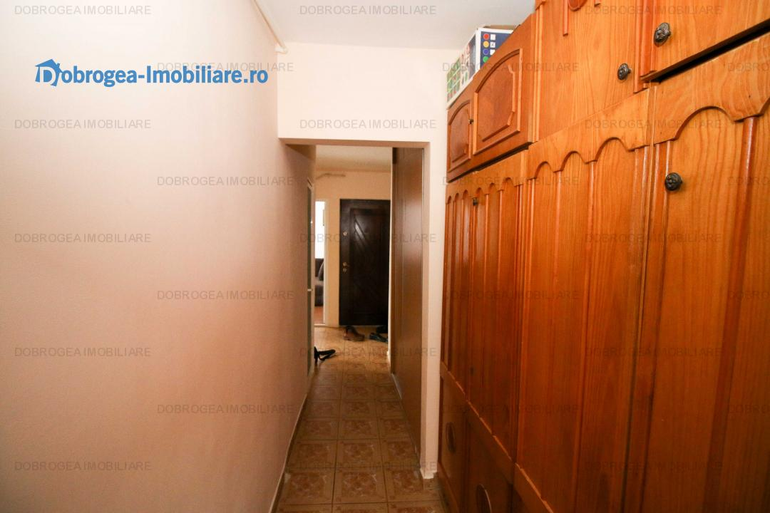 C5, 3 cam, decomandat, renovat, 2 bai, 2 balcoane, centrala termica