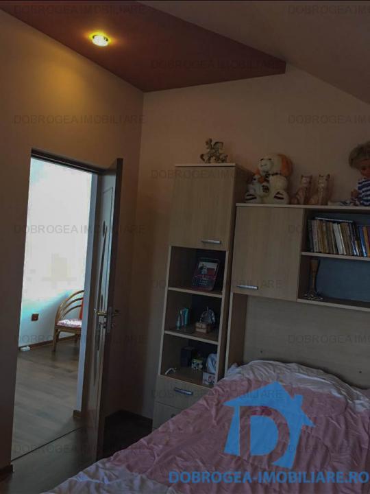 Mineri, casa 3 camere, complet renovata, garaj, teresa, foisor