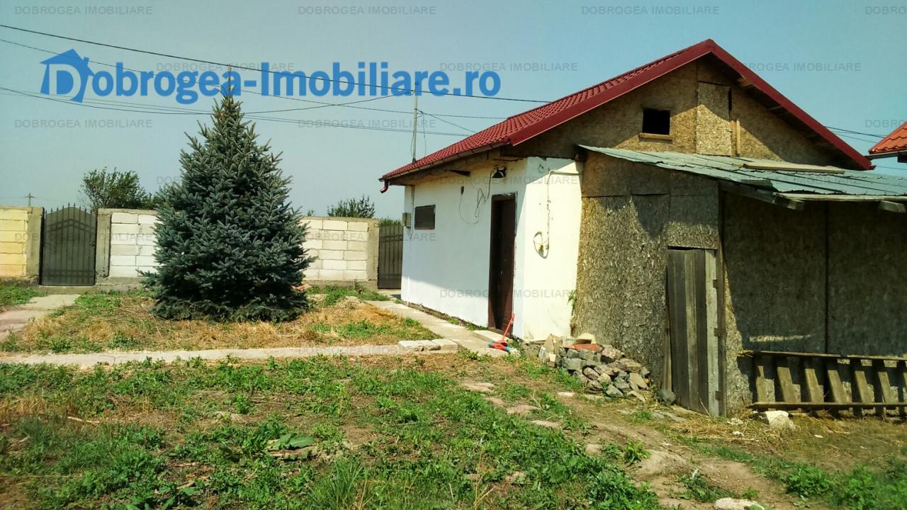 Casa in constructie, 200 mp utili, 1000 mp teren