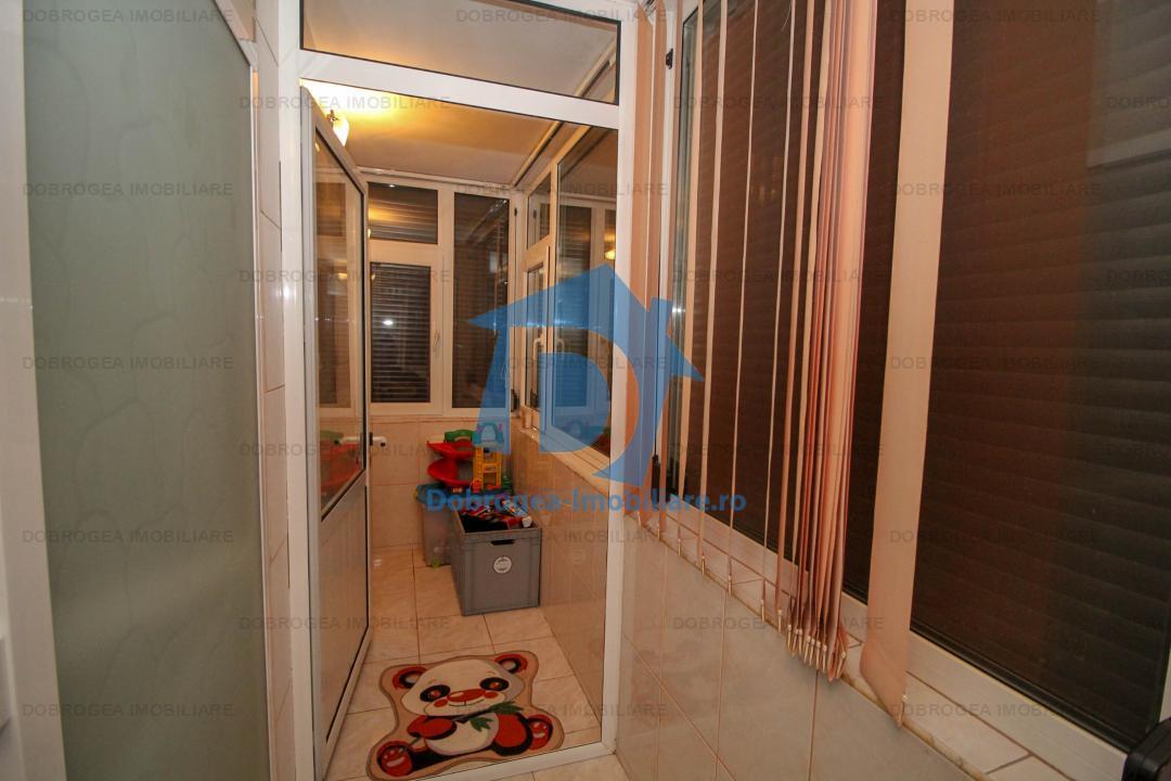 Babadag, duplex 4 cam, renovat complet, izolat termic, gaze