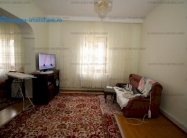 Concordiei, Ap. 2 camere in casa, complet renovat, centrala, curte