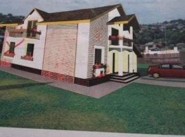 9 Mai, Casa P+1, la rosu, 5 camere, 3 bai, 3 balcoane