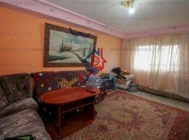 Dalas, 3 camere, 80 mp, decomandat, etaj 3, 2 balcoane, gaze la usa