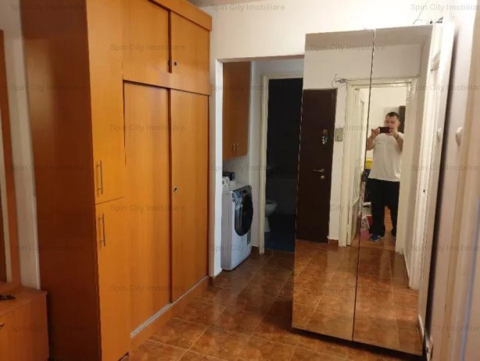 Apartament cu 2 camere renovat metrou 1 Decembrie