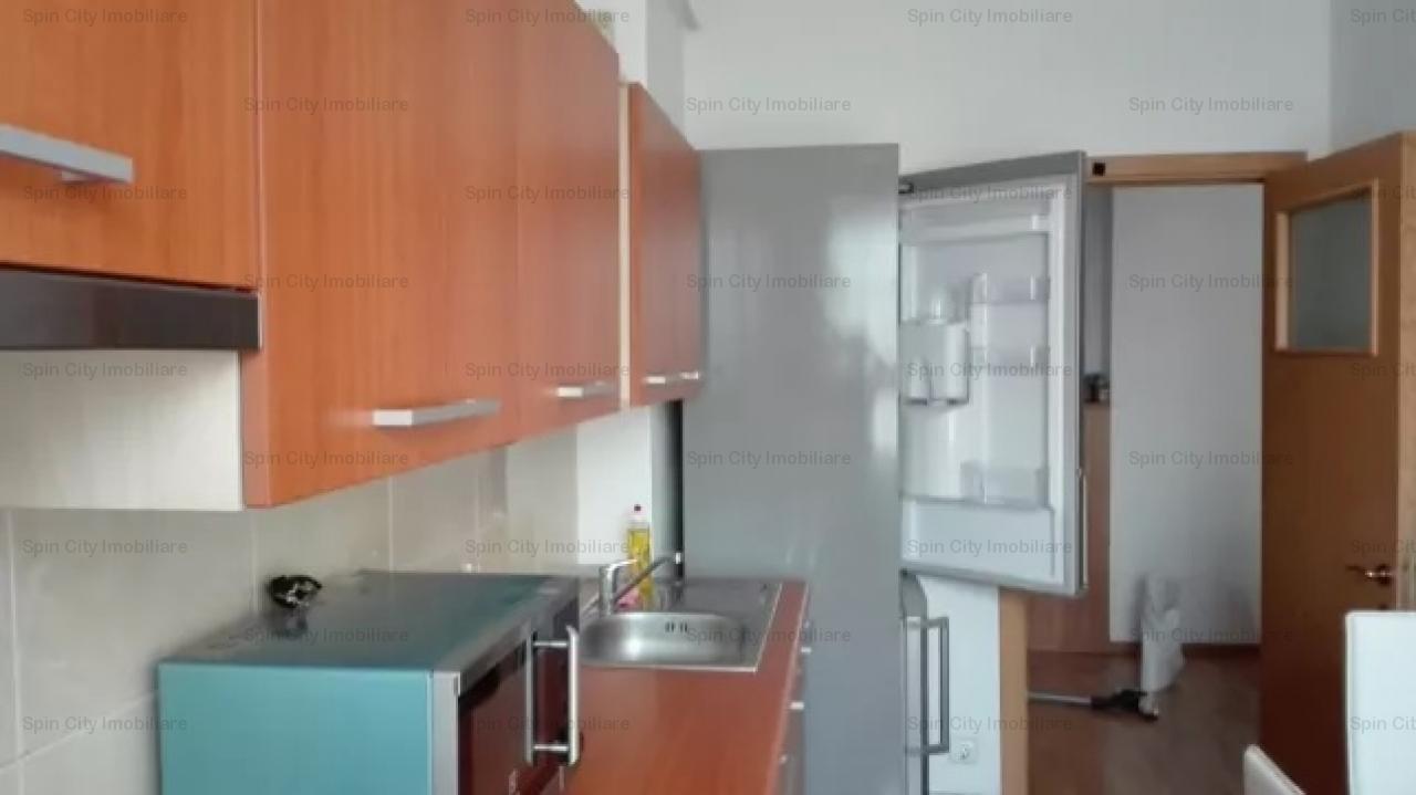 Apartament spatios de 2 camere in zona 1 Decembrie