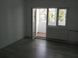 Apartament 2 camere nemobilat,bucatarie mobilata si utilata,la 7 minute de metrou Pacii