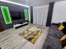 Apartament 3 camere lux,cu curte proprie 60 mp si 2 locuri de parcare subterane