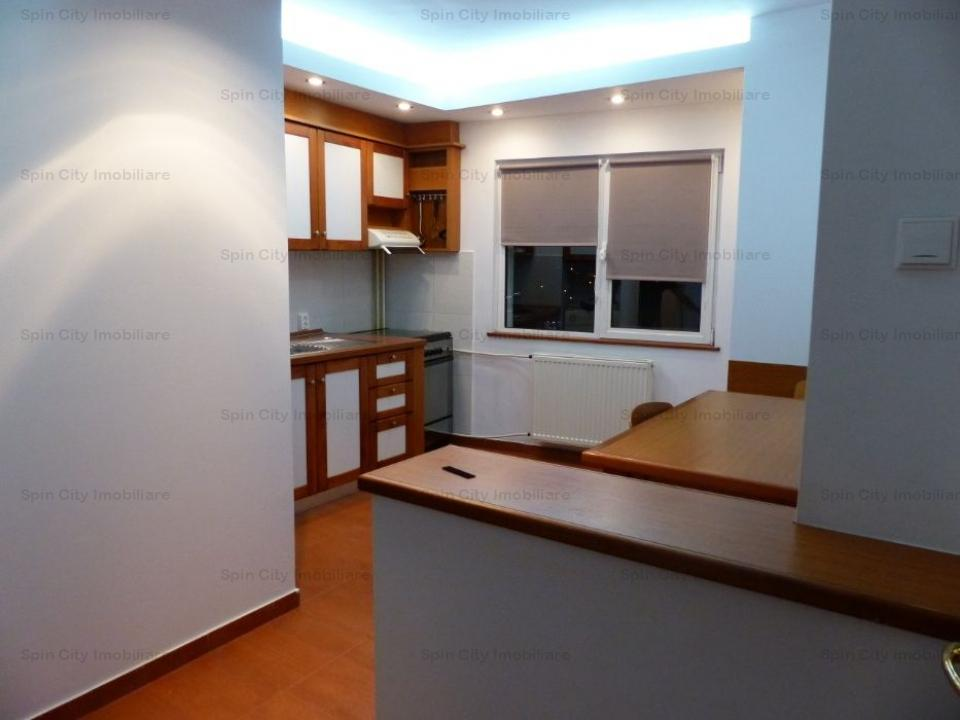 Apartament 3 camere spatios, 2 bai, decomandat, Liceul Odobleja, Sebastian/13 Septembrie