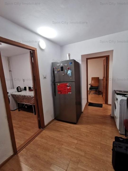 Apartament 2 camere renovat,decomandat, in bloc din 1981,reabilitat,la 10 minute de metrou Gorjului