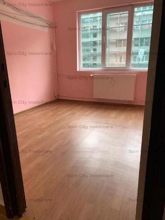 Apartament 2 camere renovat,spatios,decomandat,doar 2 minute metrou Pacii