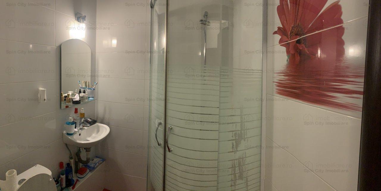 Apartament 3 camere spatios, decomandat, bine intretinut,langa Mall Vitan