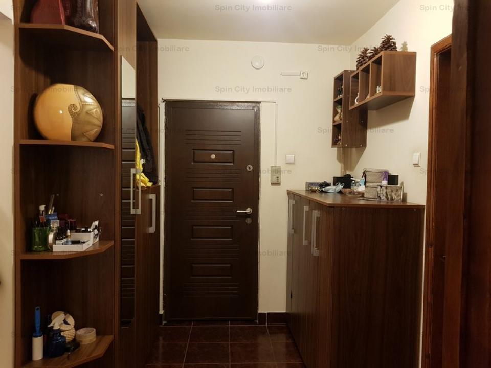 Apartament 3 camere decomandat,2 bai,2 balcoane inchise, Gorjului