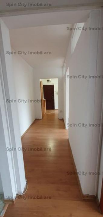 Apartament 3 camere semidecomandat Militari Apusului
