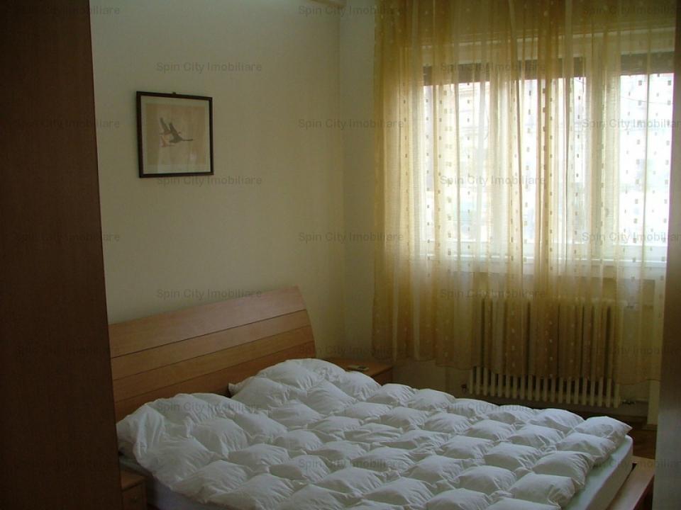 Apartament 2 camere ultracentral in apropiere de metrou Universitate cu loc de parcare inclus