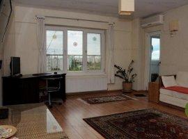 Apartament de 3 camere spatios zona Costin Georgian, la 2 minute de metrou