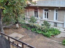 Apartament cu 4 camere de vânzare în zona Floreasca