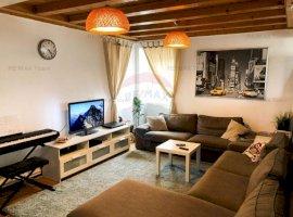 Apartament cu 3 camere de vânzare în zona P-ta Alba Iulia