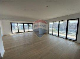 Penthouse de vânzare în zona P-ta Victoriei, terasa 130 mp