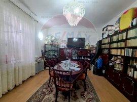 Apartament cu 5 camere de vânzare în vila, zona Mosilor