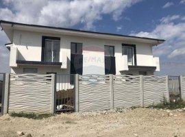 Casă / Vilă cu 4 camere de vânzare în zona Haliu