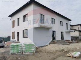 Duplex 185mp utili de vanzare cu toate utilitatile in Domnesti