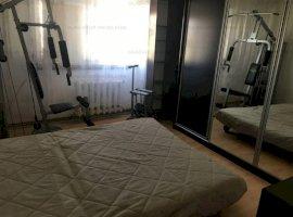 Apartament 3 camere, decomandat, Alexandru cel Bun
