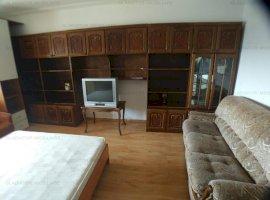 De inchiriat! Apartament 3 camere in Centru langa UMF