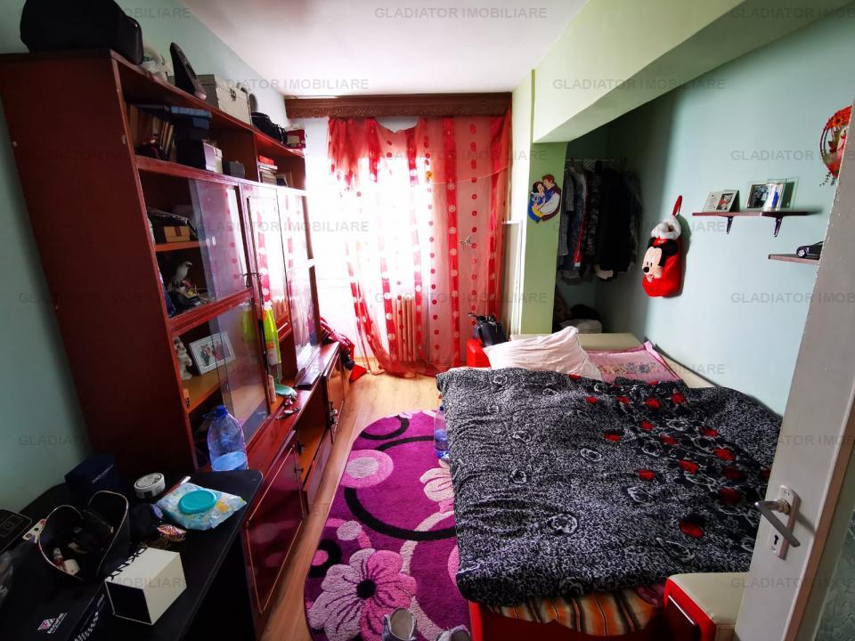 Apartament 3 camere, 2 bai, CT, la bulevard, Dacia Bicaz