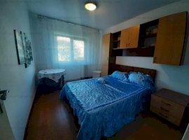 Apartament 3 camere, decomandat, zona CANTA, la bulevard