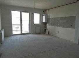 Apartament 3 camere, 70 mp utili + balcon, zona Garii