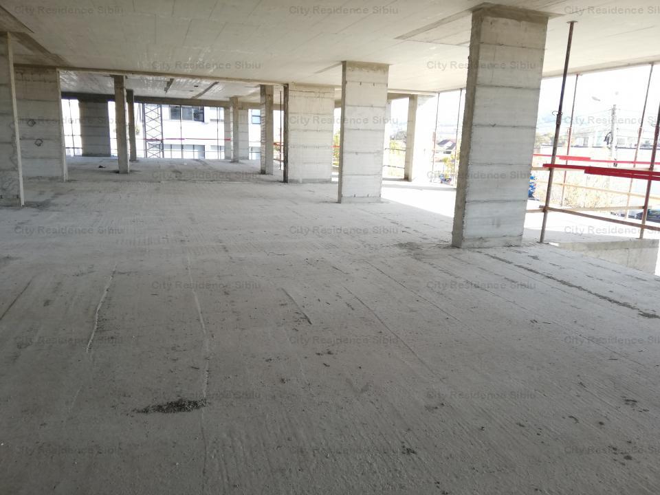 Spatiu birouri / comercial - str. Calea Gusteritei - central - 1200 mp