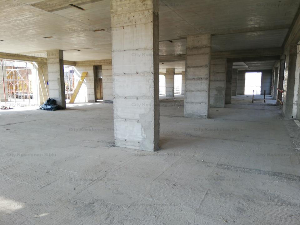 Spatiu birouri / comercial - Calea Gusteritei - 750 mp - mezanin