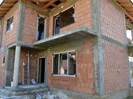 Casa 4 camere+ 110mp curte, zona Selimbar
