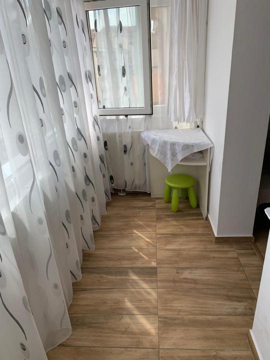 Apartament 4 camere 2 bai zona Turnisor