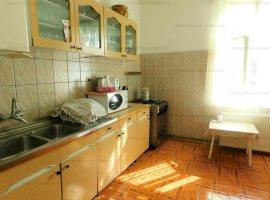 Apartament 5 camere, zona Resita