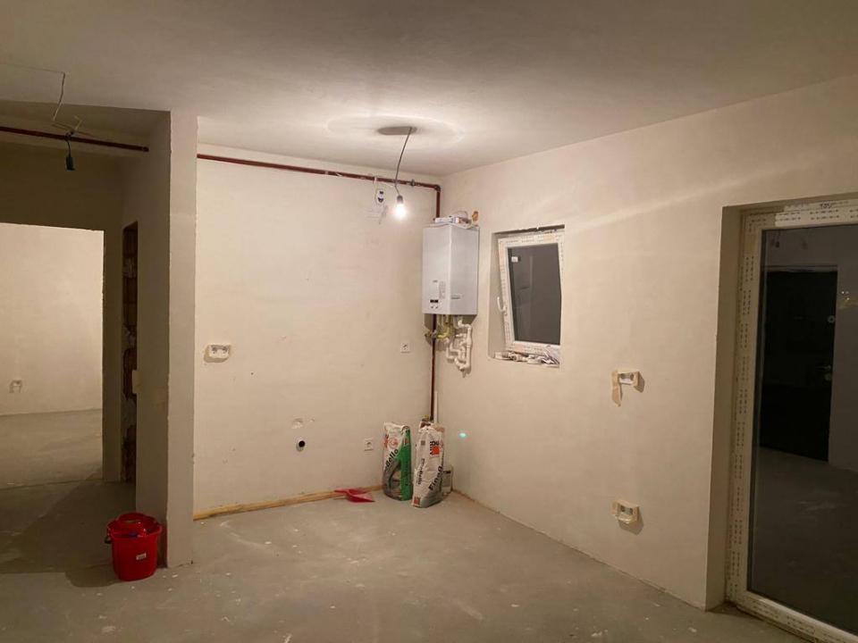 Garsoniera etaj1 zona Calea Cisnadiei