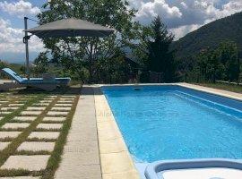 Vila de LUX cu piscina, in Cisnadioara