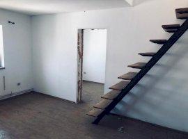 Apartament 4 camere la mansarda zona Broscarie